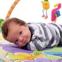 Idée cadeau de Noël pour bébé : Un tapis d'éveil pour le premier Noël de bébé