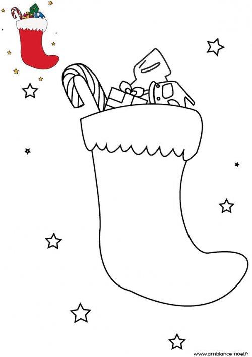 Coloriage de no l la chaussette remplie de cadeau de no l imprimer pour les enfants - Coloriage cadeau de noel ...