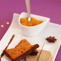 Recette de Noël, les bouchées de foie gras au pain d'épices avec une compotée de mangue