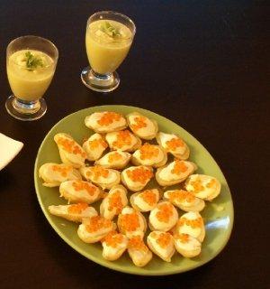 Une recette de Noël originale : Oeufs de saumon au wasabi sur lit de pommes de terre rattes