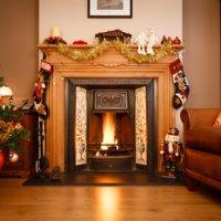 Le top 5 des couleurs tendances pour la décoration de mon sapin de Noël